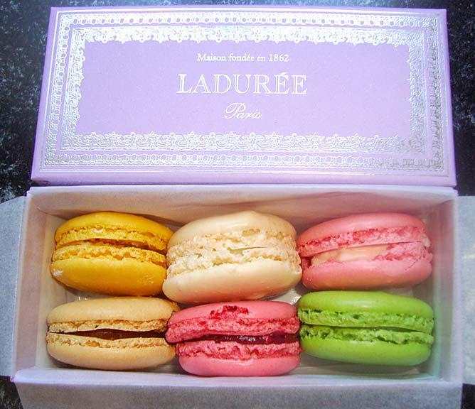 laduree_macarons_box-lg
